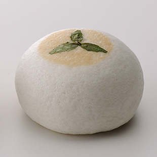 WAGASHI by ROLA 安納芋と黒豆の画像